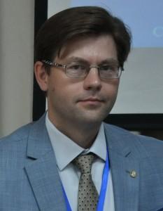 Костенко Андрей Константинович, декан, к. э. н., доцент